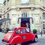 2cvparistour-2cv-rouge_paris_hotel