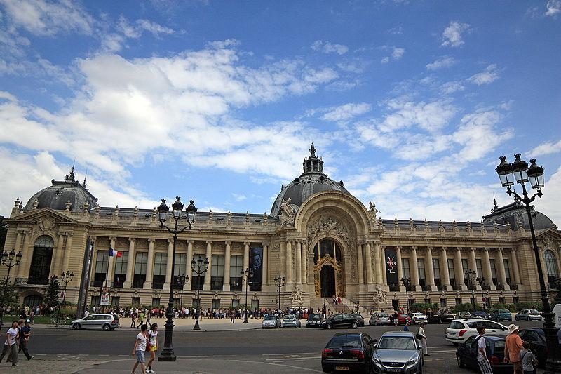 2CVParisTour : Visiter Paris en 2CV! Petit Palais