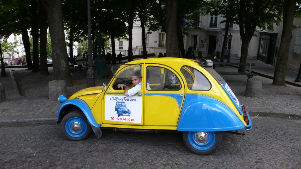 2CVParisTour : Balades en 2CV à Paris! Près du Bateau-Lavoir
