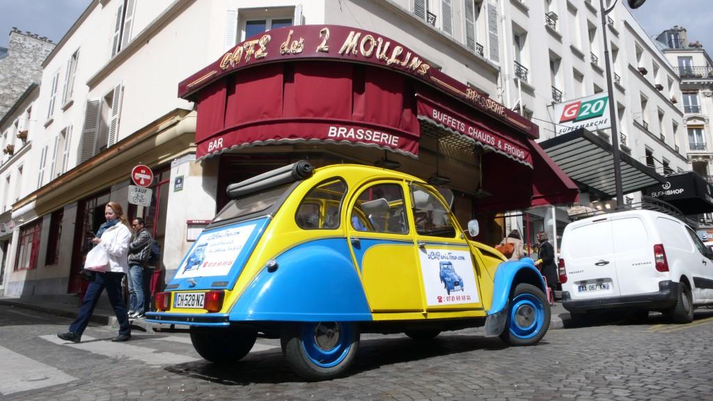 2CVParisTour : Balades en 2CV à Paris! Le Café des deux Moulins