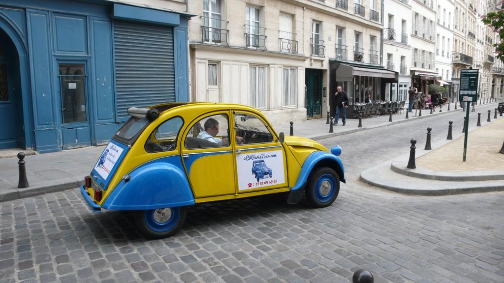 2CVParisTour : Balades en 2CV à Paris! La Place Dauphine en 2CV