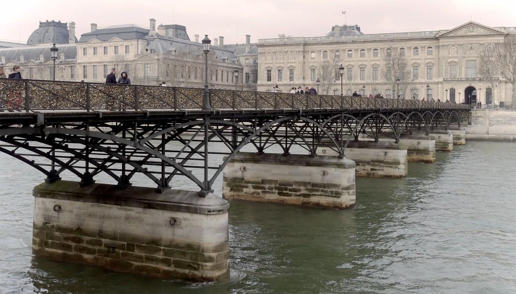 2CVParisTour : Visiter Paris en 2CV! Le Pont des Arts