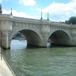 2CVParisTour : Visiter Paris en 2CV! Pont Neuf